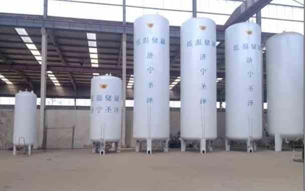 供应液氧低温储罐